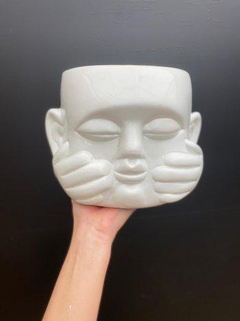 Vaso branco em cerâmica Buda