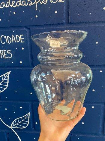 Vaso de vidro aster rigado