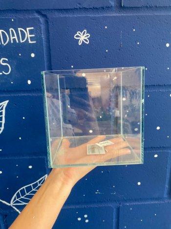 cachepo de vidro quadrado